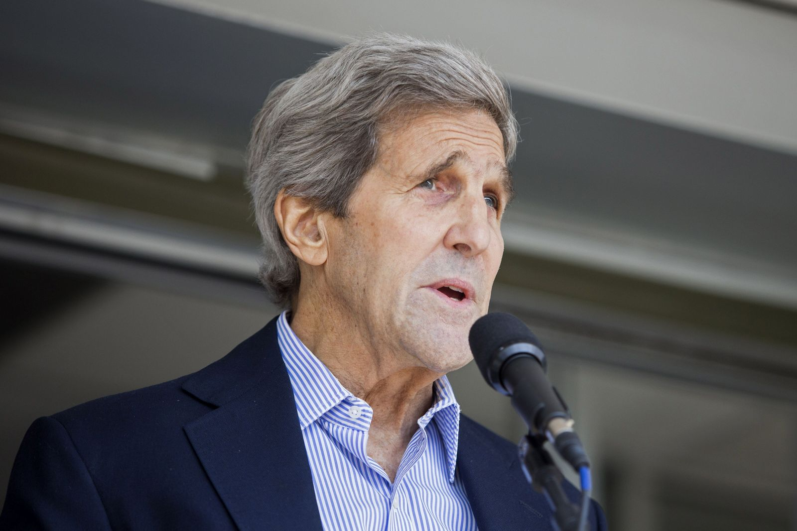 US-SECRETARY-OF-STATE-JOHN-KERRY-SPEAKS-TO-THE-PRESS-AFTER-DISCH