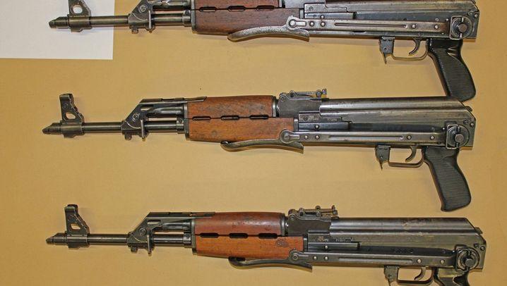 Verbotene Waffen: Arsenal mit tödlichem Potenzial