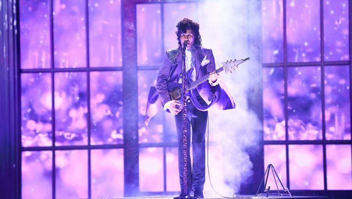 Wer steckt hinter der Prince-Maske?