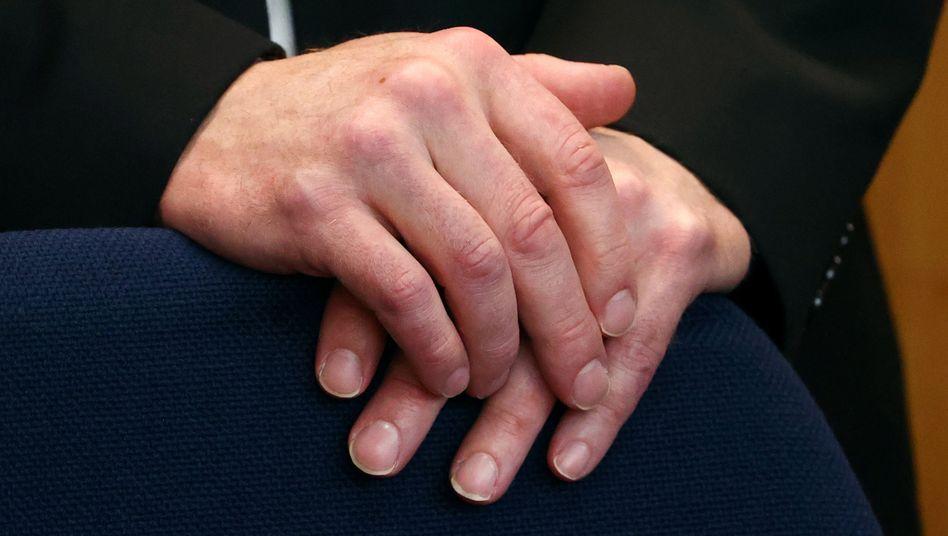 """Hände von Stephan Ernst: """"Was wir getan haben, war falsch"""", ließ er erklären"""