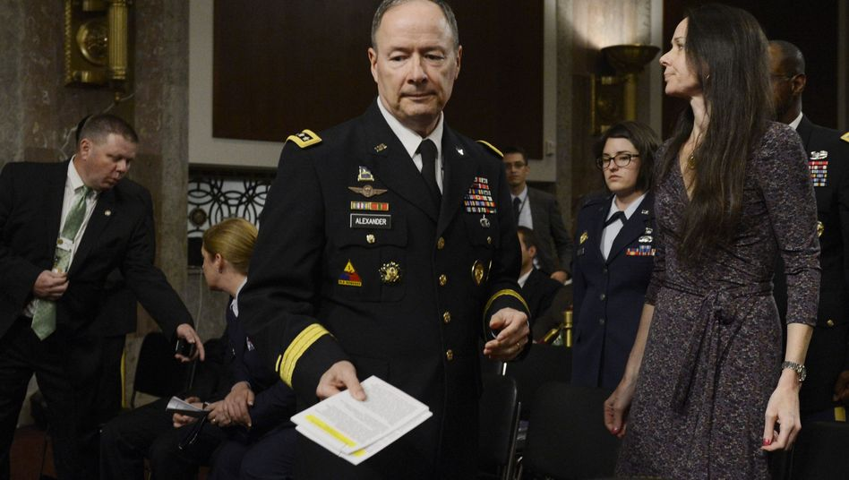 """Geheimdienst-Chef Keith Alexander: """"Wir müssen einen Weg finden, das zu stoppen"""""""