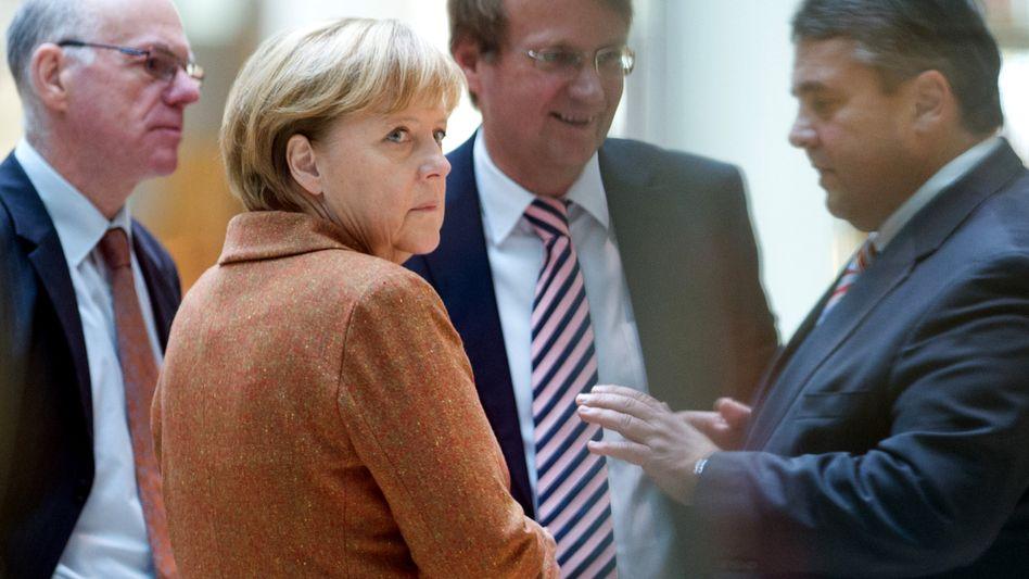Kanzlerin Merkel, SPD-Chef Gabriel (mit Unionspolitikern Lammert, Pofalla): Ganz kleines Karo