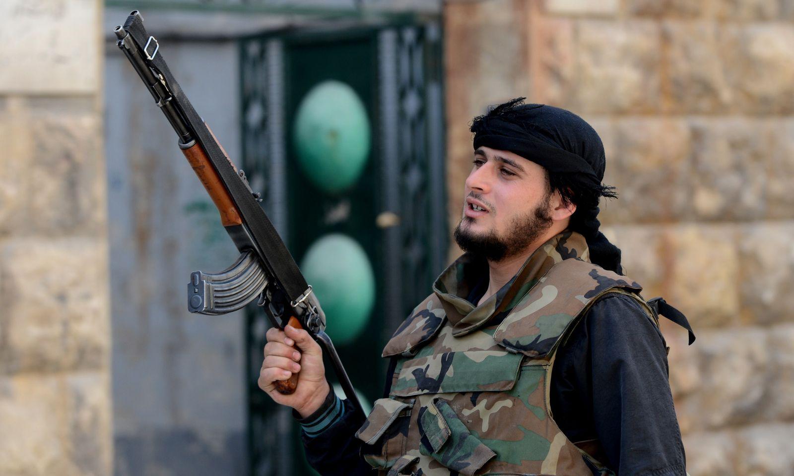 syrischer kämpfer aleppo