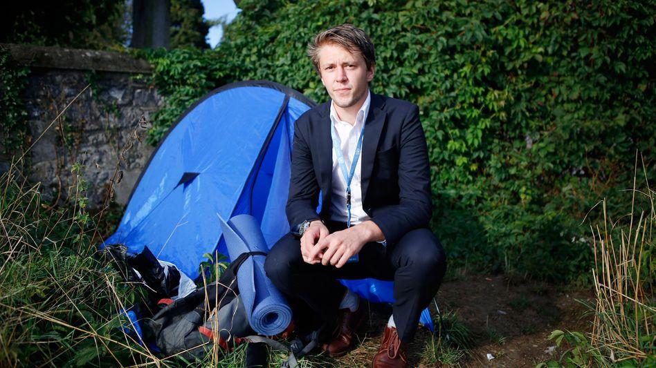Camper David Hyde: Tagsüber versteckte er das Zelt unterm Schreibtisch