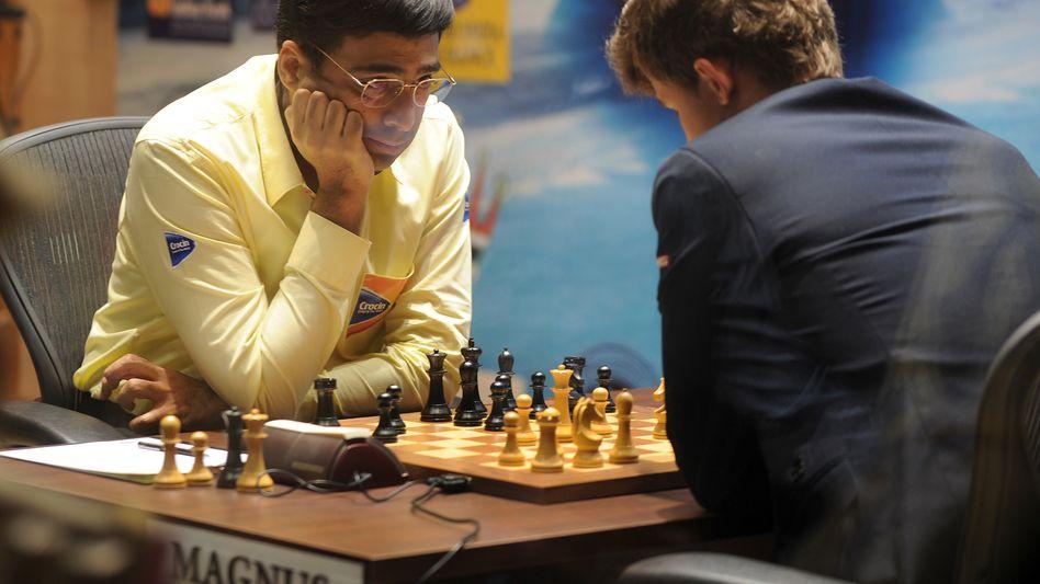 Viswanathan Anand (l.), Magnus Carlsen: Erneutes Duell nach der WM 2013