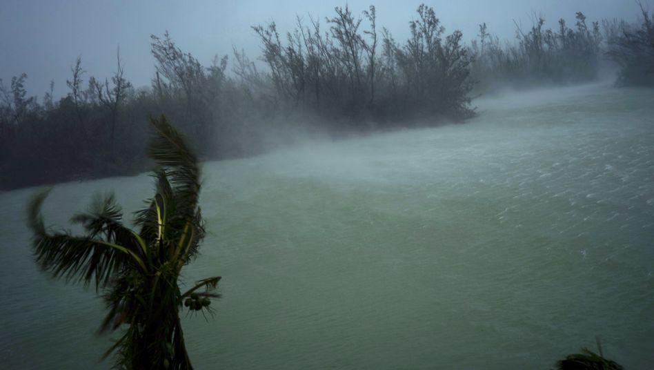 Freeport auf den Bahamas: Der Sturm bewegt sich nur noch langsam vorwärts