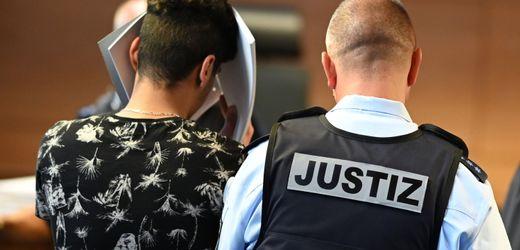 Freiburg: Prozess um mutmaßliche Gruppenvergewaltigung - Haftstrafen gefordert