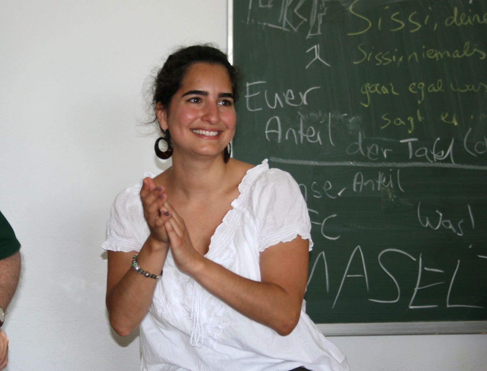 EINMALIGE VERWENDUNG Migranten als Lehrer / Damla Sen