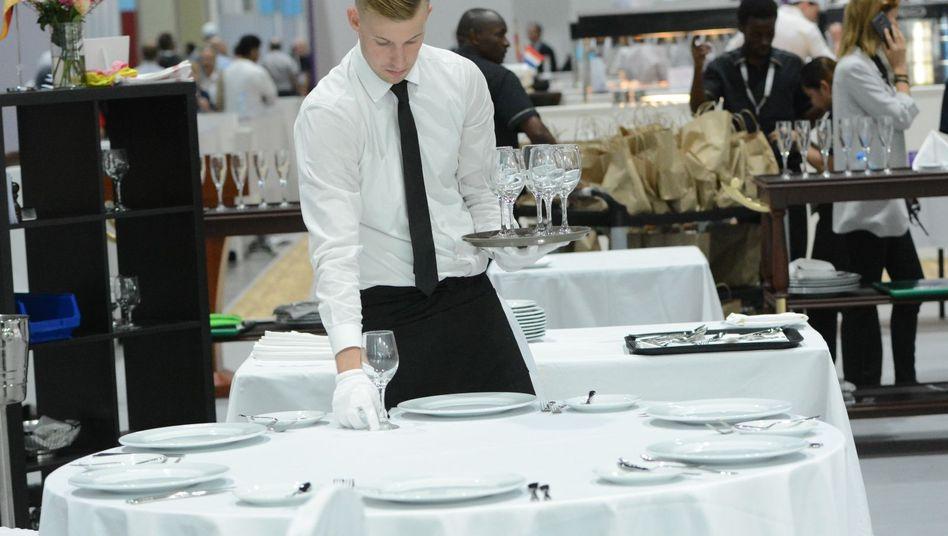 Ausbildung zum Restaurantfachmann (Symbolbild)