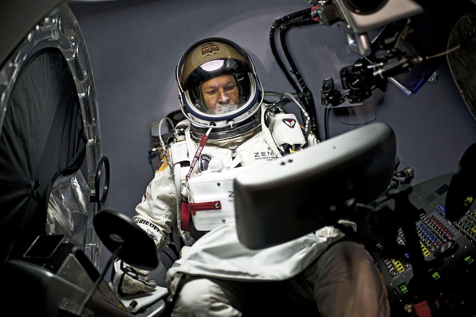 Baumgartner/ Stratos mission