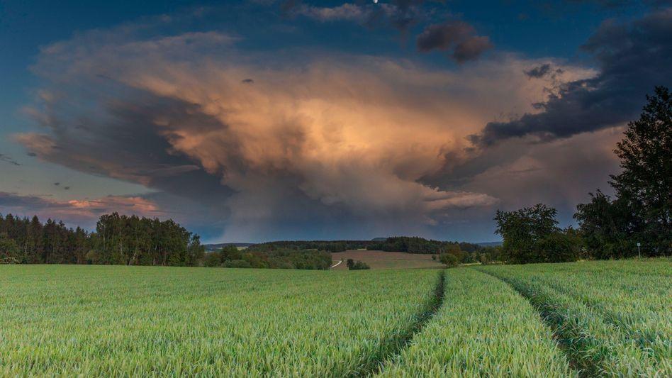 Wolken über Annaberg-Buchholz im Erzgebirge: Unstete Wetterlagen