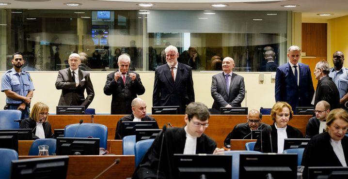 Die Angeklagten des letzten Verhandlungstages