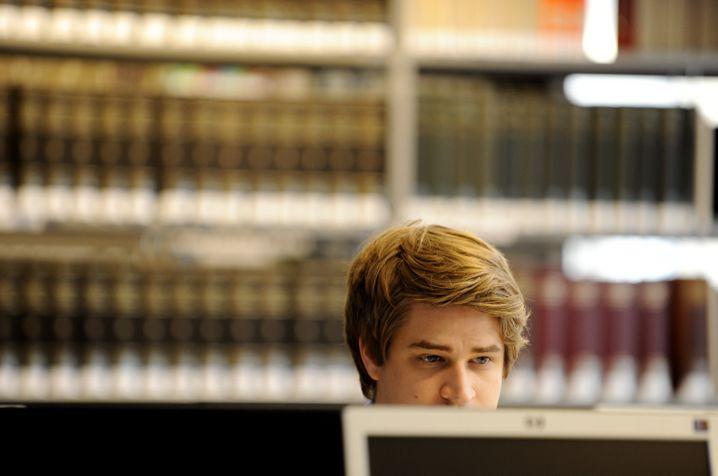 Jurastudent an der Bucerius Law School: Lernen über digitale Tools (Symboldbild)