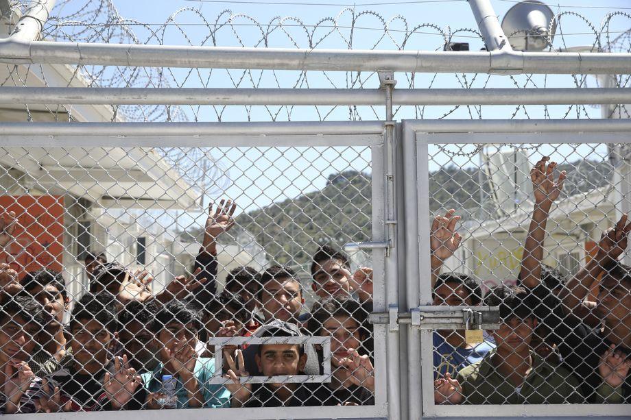 Warten auf den Papstbesuch: Asylbewerber in Moria 2016
