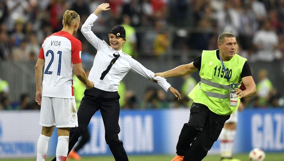 Pussy-Riot-Aktion während des WM-Endspiels