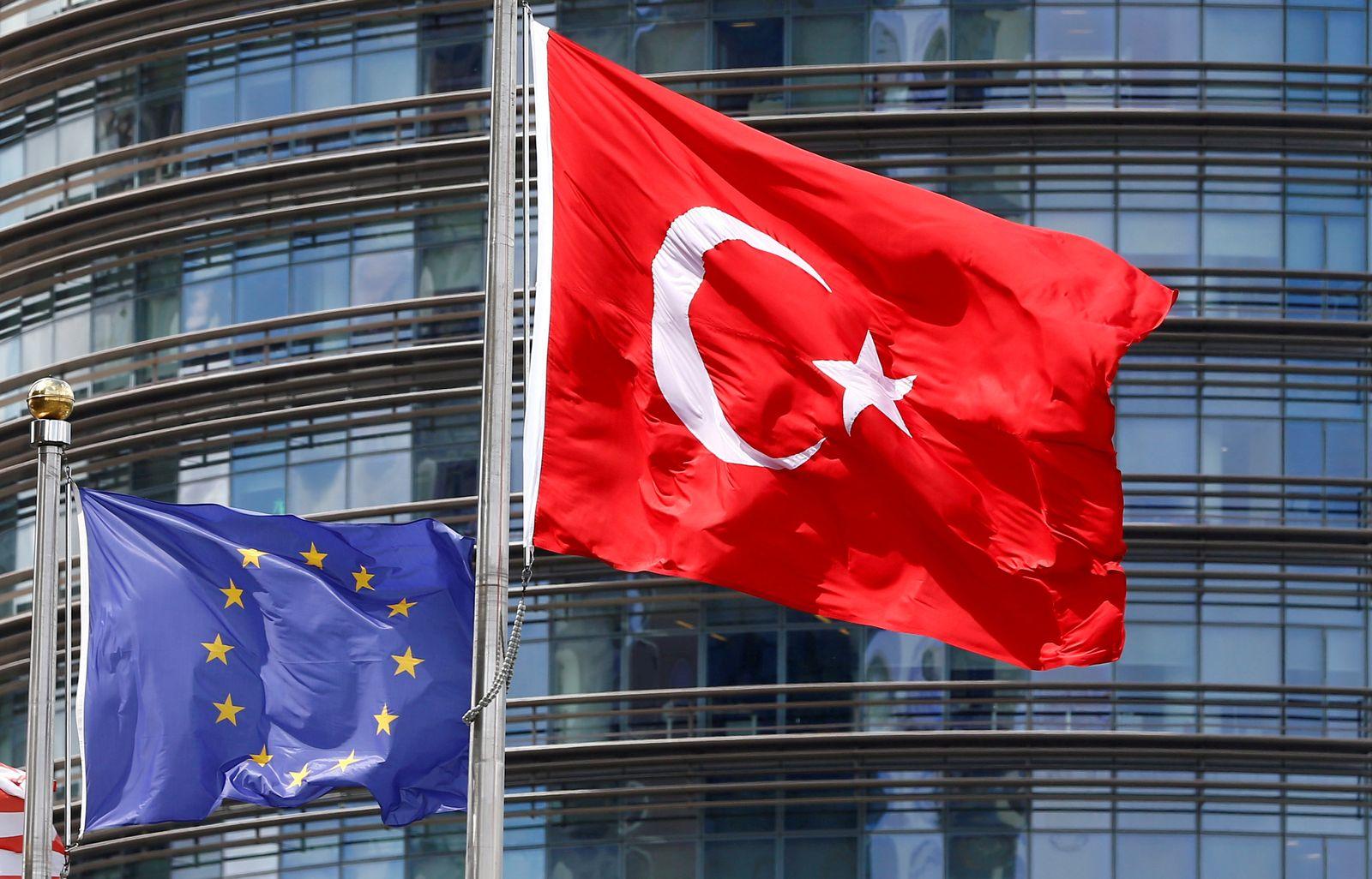 EU Türkei Flaggen