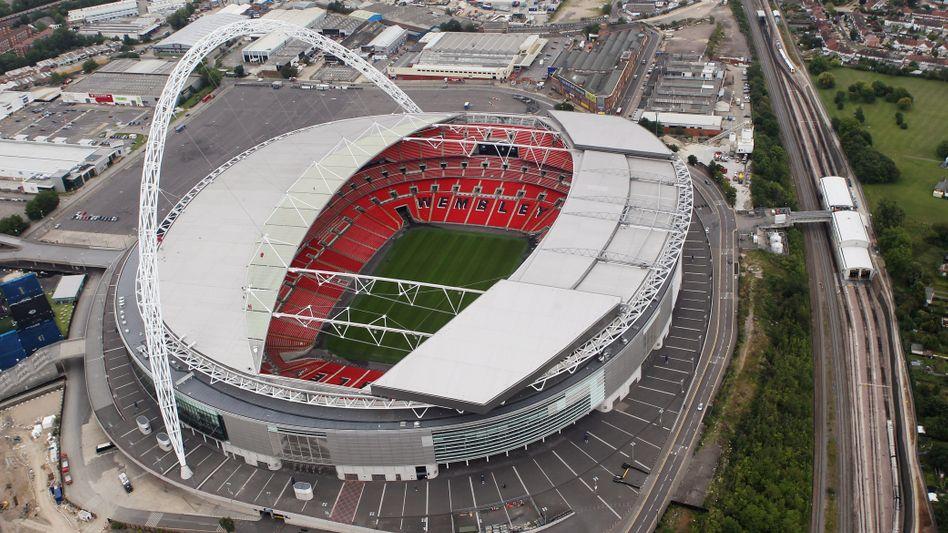 Wembley-Stadion: Hier soll das EM-Endspiel ausgetragen werden. Die Uefa setzt Großbritannien nun wegen strenger Quarantäneregeln unter Druck