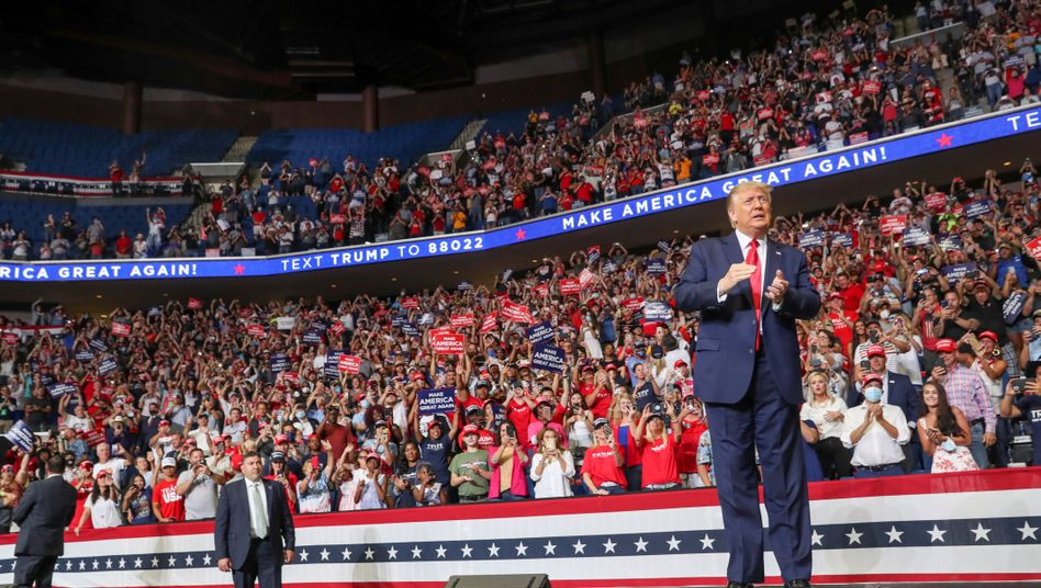 Trump in Tulsa: Dieser Wahlkampfauftritt könnte Grund für hohe Infektionszahlen in dem County sein