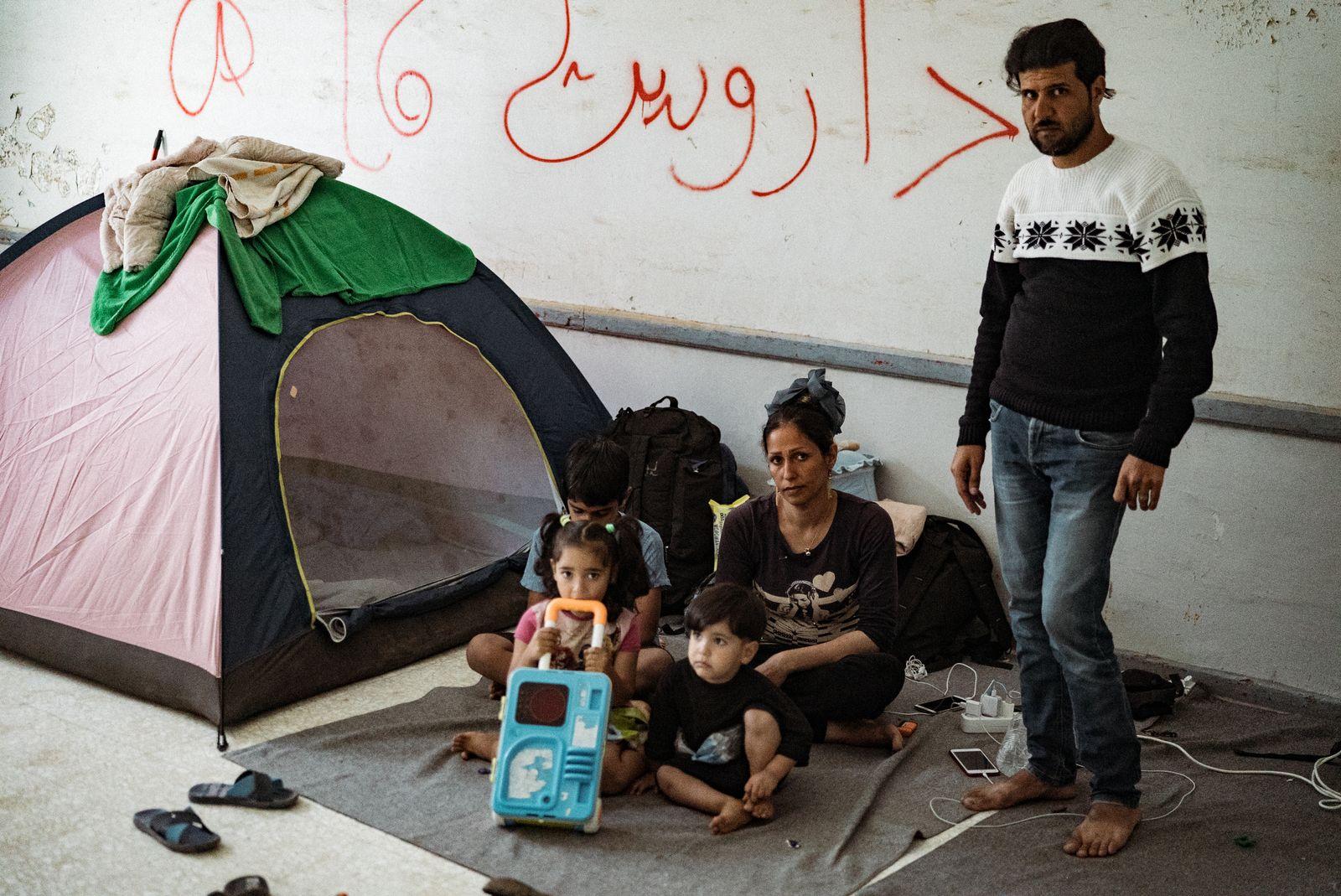 EINMALIGE VERWENDUNG Leros/ Flüchtlinge/ Unterkunft