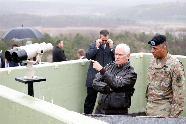 US-Vizepräsident Mike Pence an der Grenze zu Nordkorea