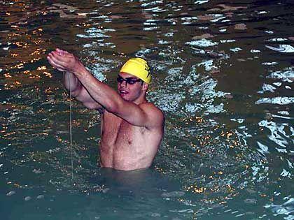 Schleim-Schwimmer: Menschen sind auch in zäher Brühe schnell
