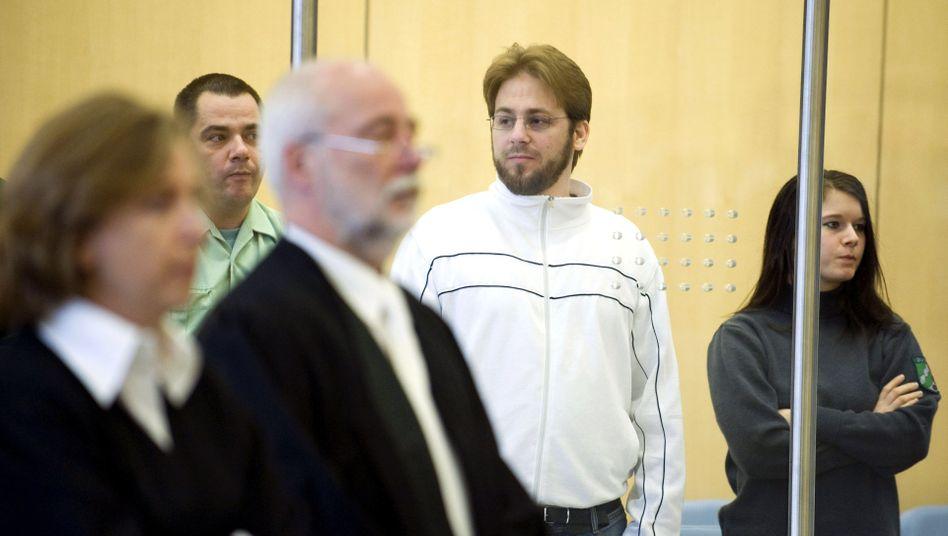 Verurteilter Fritz Gelowicz (2. v. r.): In fünf Jahren wieder frei?