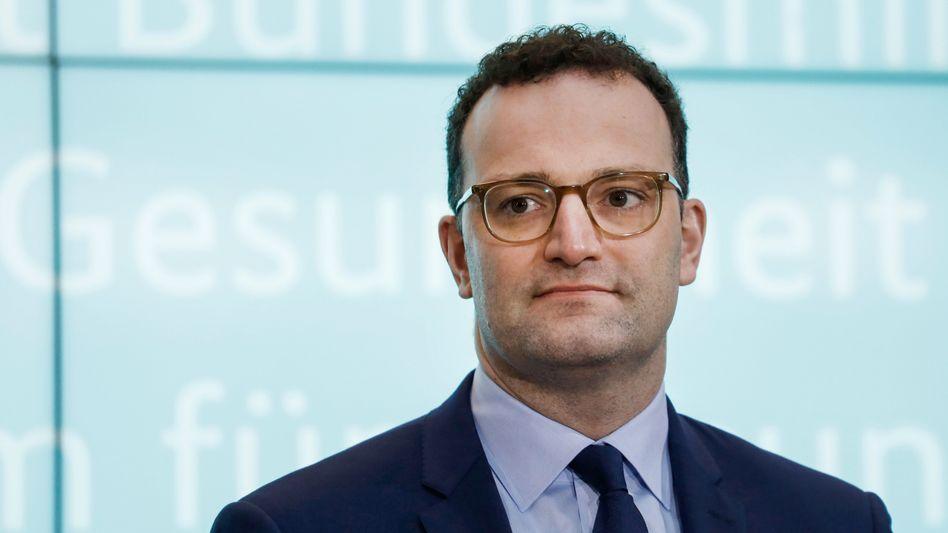 """Gesundheitsminister Spahn: Das deutsche Gesundheitswesen sei mit der Situation """"nicht überfordert"""""""