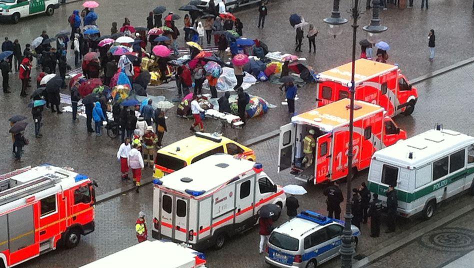 Feuerwehreinsatz am Protestcamp: Flüchtlinge mit Kreislaufproblemen