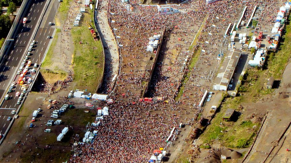 Duisburg: Katastrophe bei der Love Parade - viele Tote