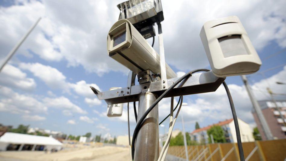 Videokamera (an künftigem BND-Sitz in Berlin): Achtung, Aufnahme!