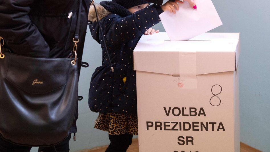 Wahlurne bei der Präsidentenwahl in der Slowakei