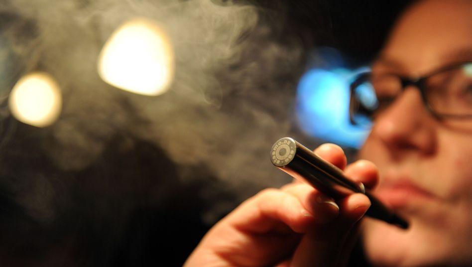 Elektrische Zigarette: Gefahr durch krebserregende Substanzen