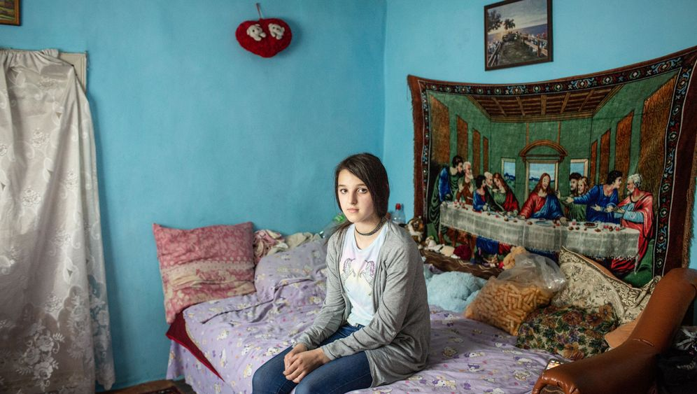 Photo Gallery: The Children Romanians Have Left Behind