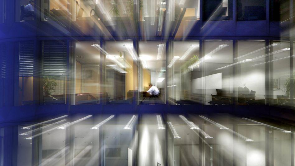 Abends im Büro: Arbeitszeit nach Wunsch ist möglich