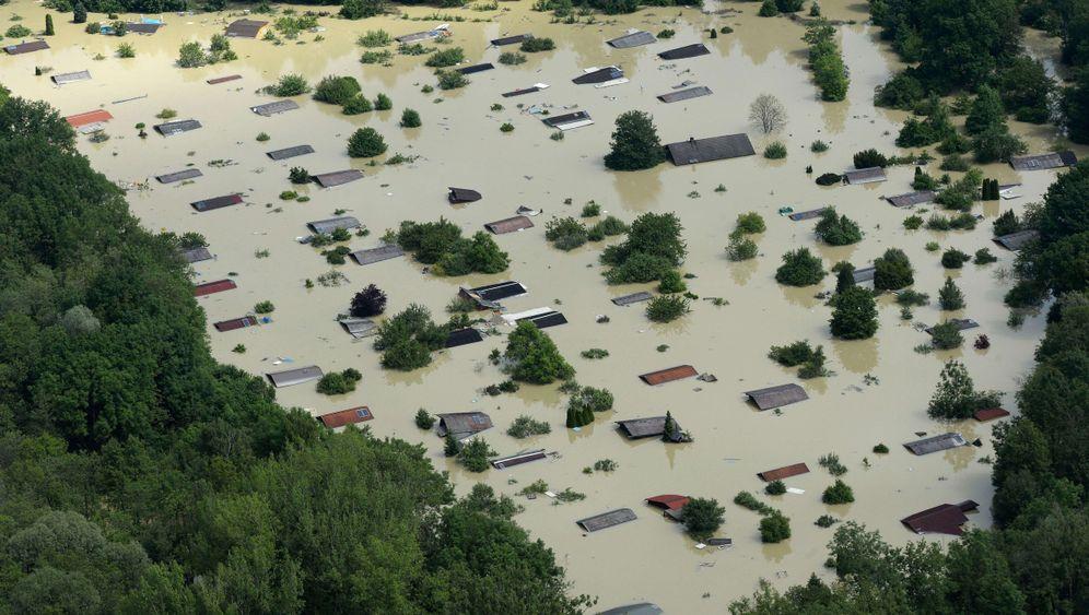 Photo Gallery: Flood Helpers Tweet Way to Relief