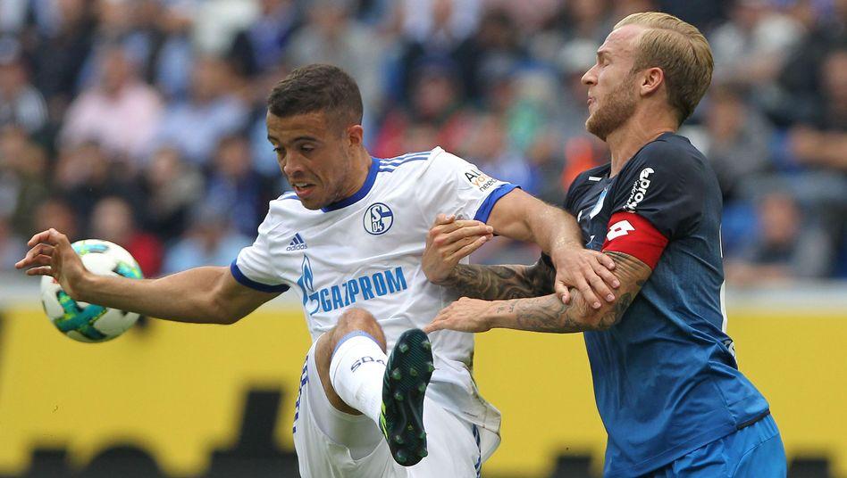 Schalkes Franco di Santo (l.) und Hoffenheims Kevin Vogt