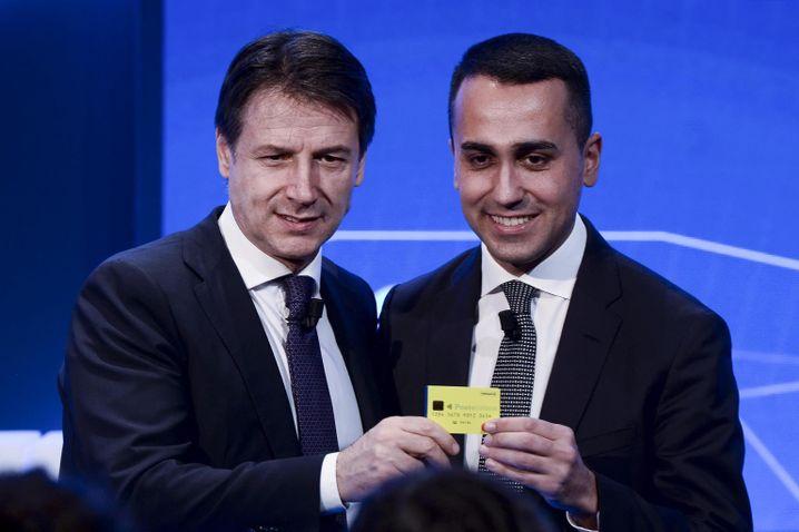 Conte (l.) und Di Maio