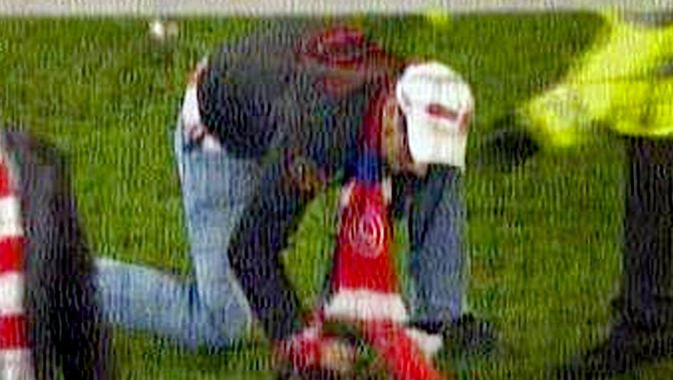Elfmeterpunkt-Dieb im Düsseldorfer Stadion: Muss mitSanktionen rechnen