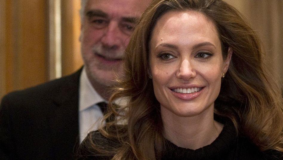 Chefankläger Ocampo, Filmstar Jolie 2012