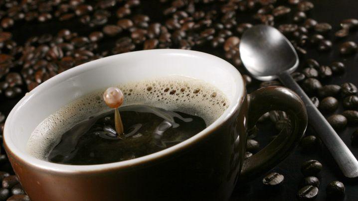 Frischer Kaffee: Macht Koffein nicht nur wach, sondern auch schlank?
