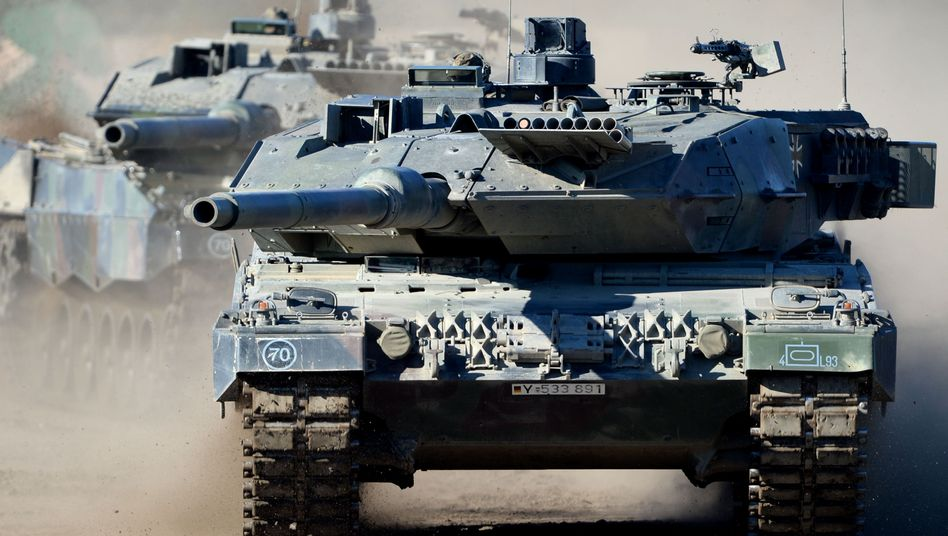 """Kampfpanzer """"Leopard 2 A6"""" im Übungseinsatz: Nachrüstung geplant"""