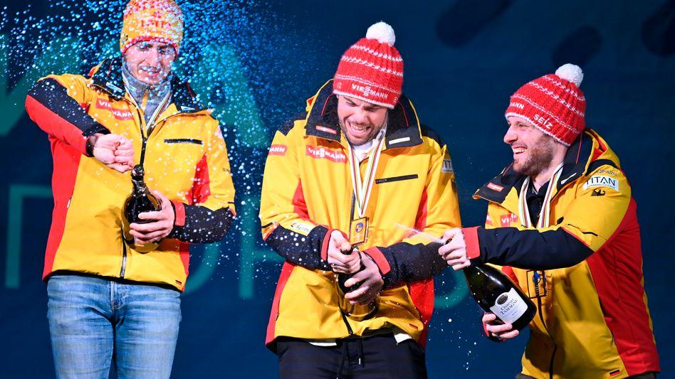 Champagnerdusche bei einem Sportevent im russischen Sotschi