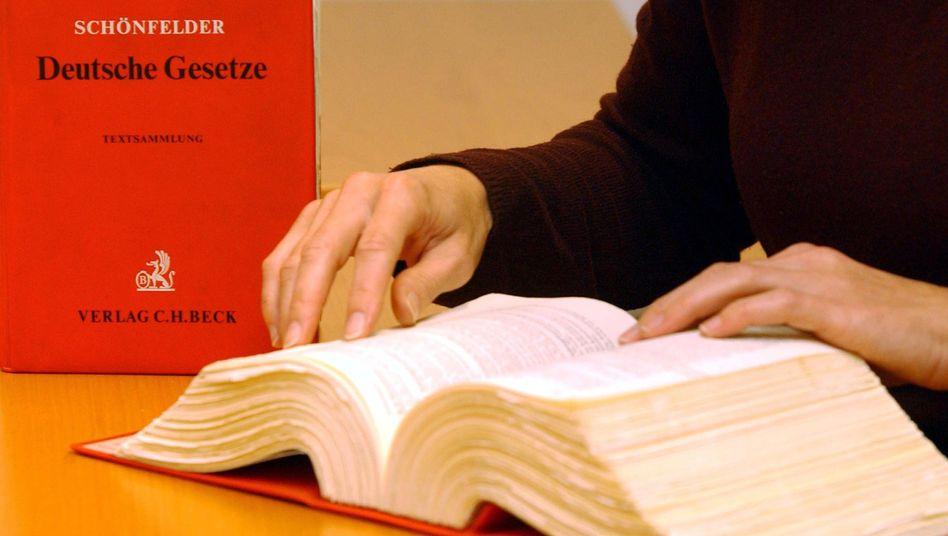 """Anwaltsberuf: """"Rechtsberatung für alle ist vergebene Liebesmüh"""""""