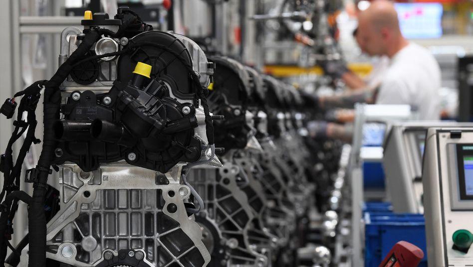 Auslaufmodell Verbrennungsmotor: »Es wird deutlich mehr im Gebälk krachen«, warnt die IG Metall