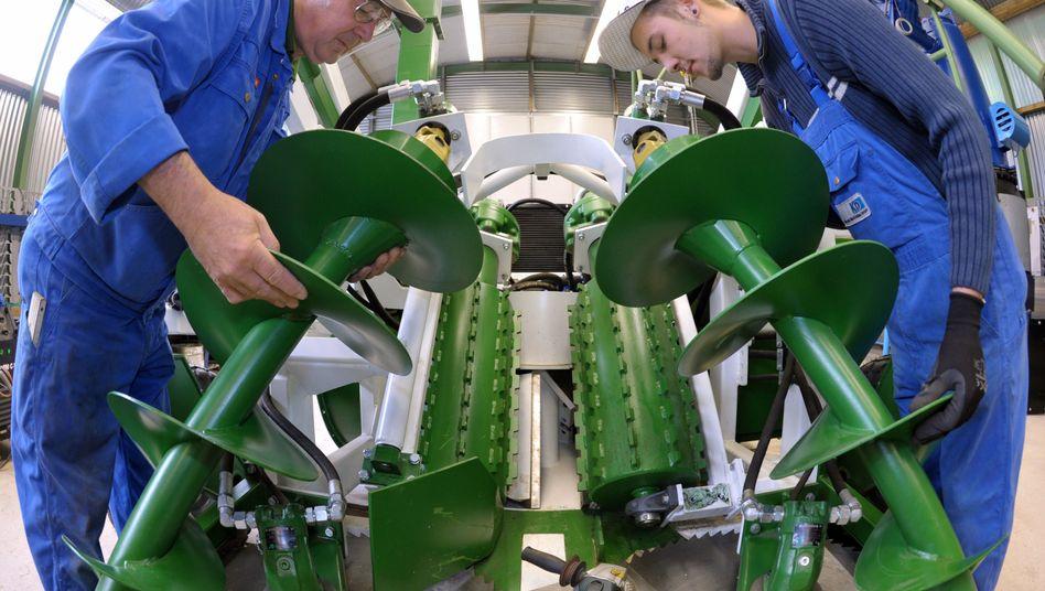 Maschinenbauer bei der Arbeit: Plus von 15 Prozent