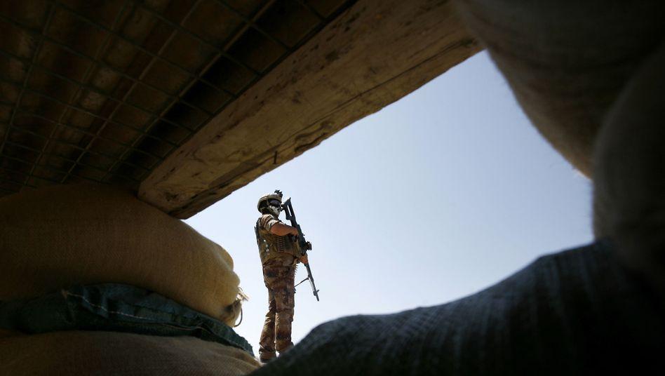 Irakischer Soldat: Regierungschef verteidigt seine Truppen
