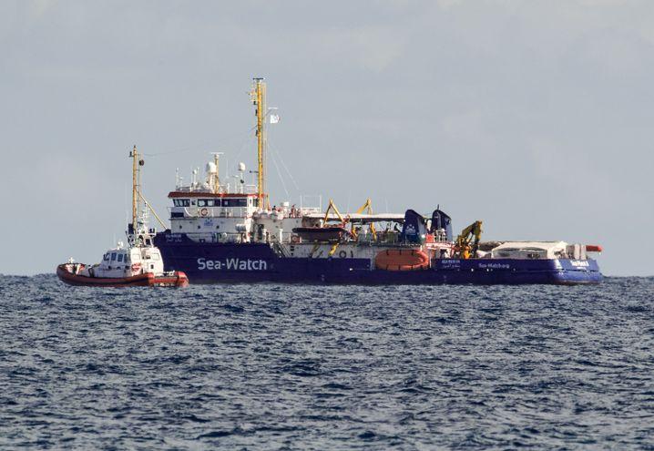 """Italienische Küstenwache, """"Sea-Watch 3"""""""