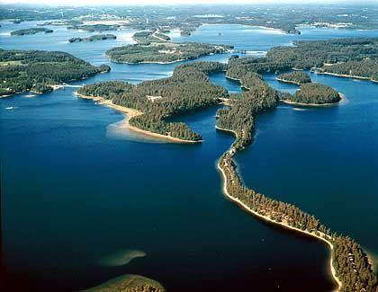 Saimai-See aus der Luft: 14.850 Kilometer langes Ufer, 14.000 Inseln