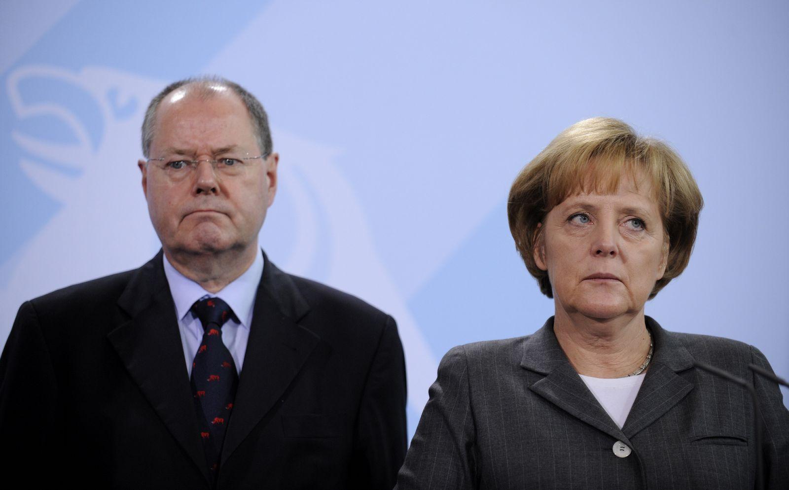 NICHT VERWENDEN Peer Steinbrueck / Angela Merkel
