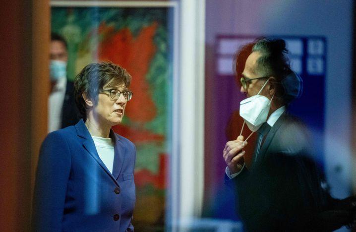 Außenminister Maas und seine Kollegin Kramp-Karrenbauer waren mit dem Management der Afghanistan-Krise überfordert
